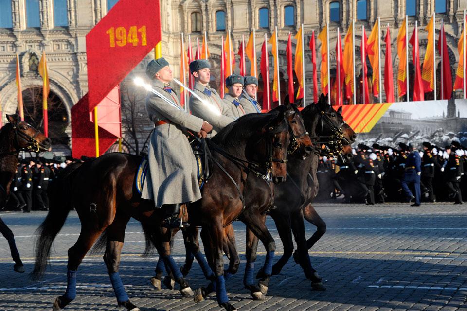 Военно-исторический парад на Красной площади в Москве состоится 7 ноября